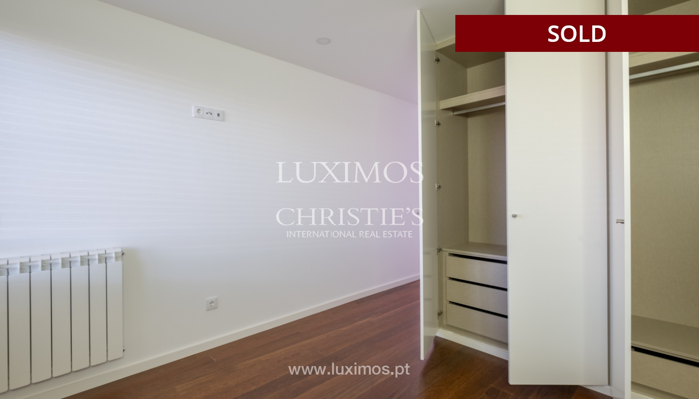 Apartment for sale, near the city park and the beach, Matosinhos, Portugal_135951