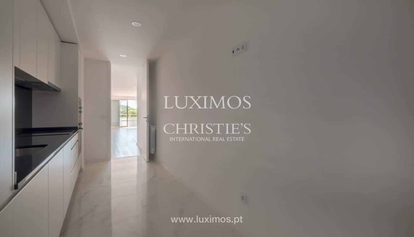 Sale of apartment, near the city park and beach, Matosinhos, Portugal_135957