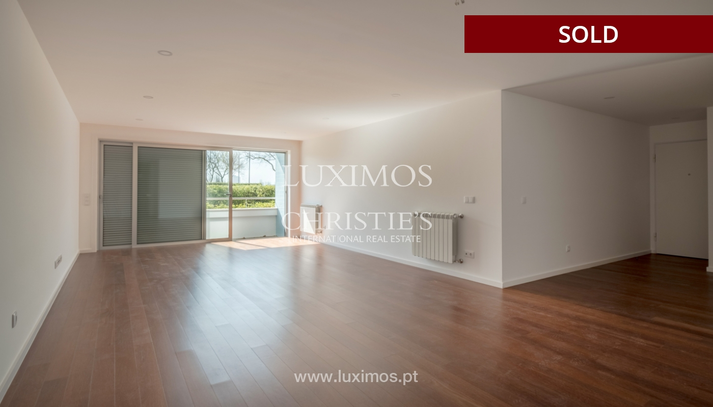 Sale of apartment, near the city park and beach, Matosinhos, Portugal_135959