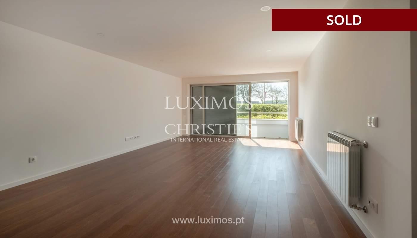 Sale of apartment, near the city park and beach, Matosinhos, Portugal_135980