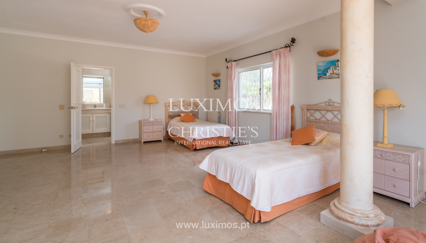 Sale of villa with pool and garden in Loulé, Algarve, Portugal_136029