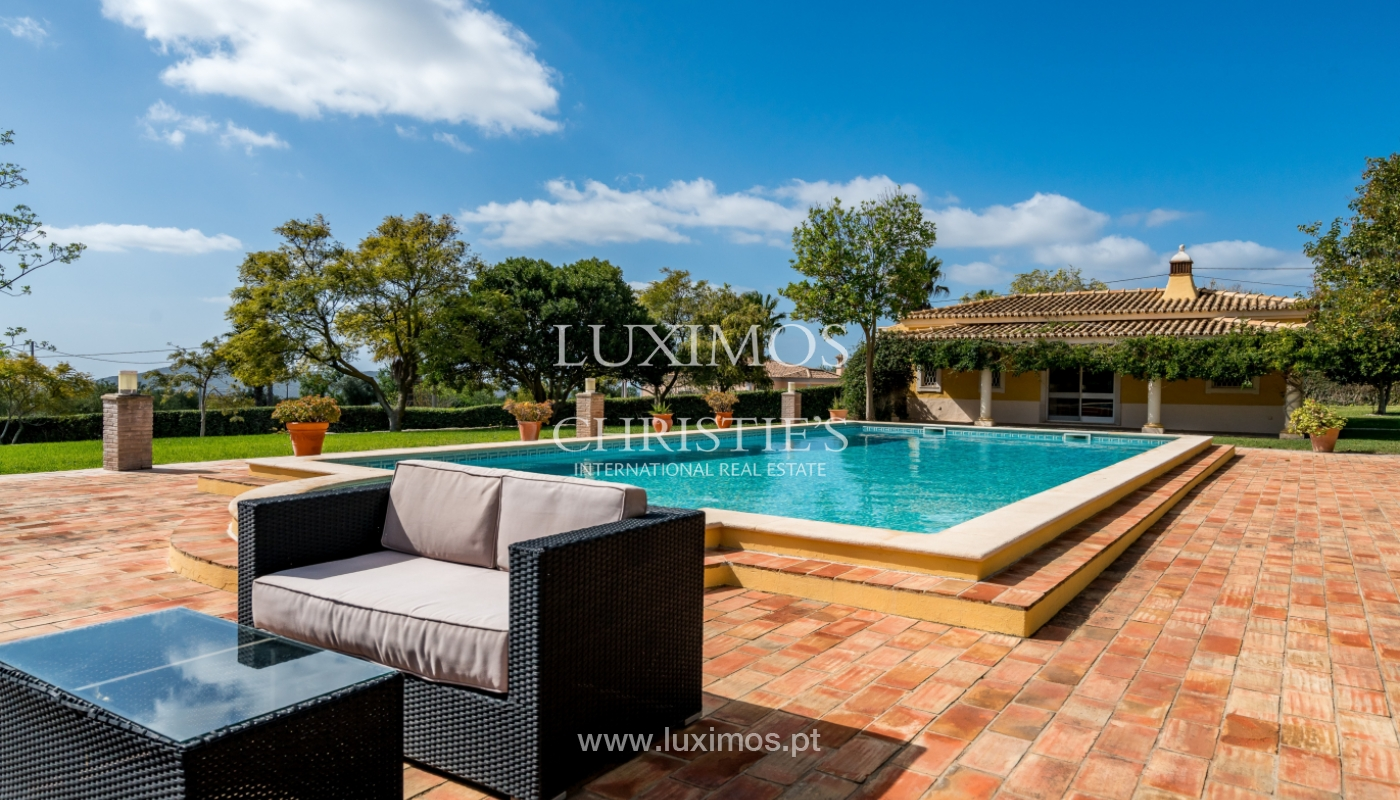 Sale of villa with pool and garden in Loulé, Algarve, Portugal_136051