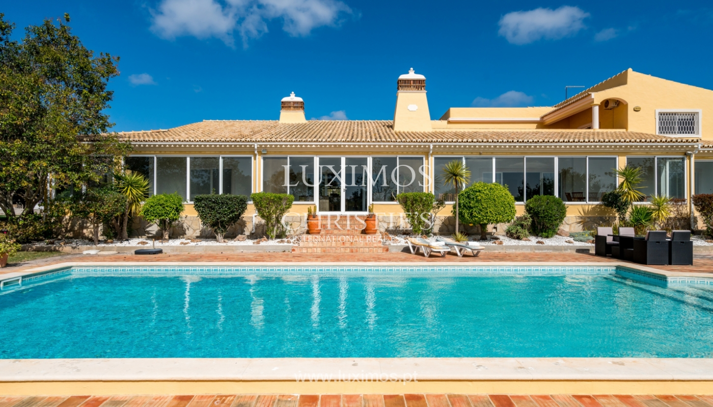 Sale of villa with pool and garden in Loulé, Algarve, Portugal_136053