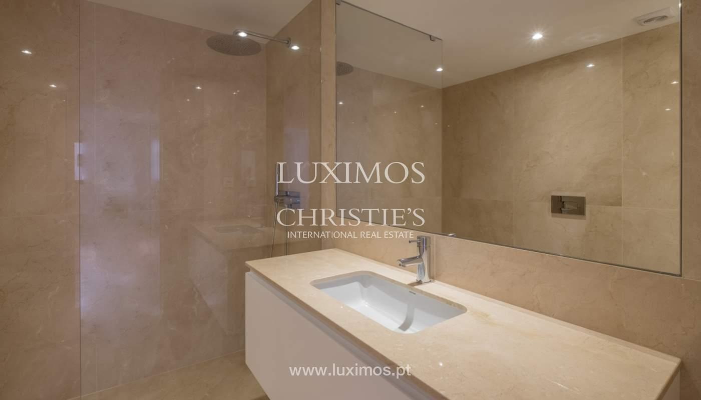 Nuevo y moderno apartamento con balcón, en venta, en Porto, Portugal_136067