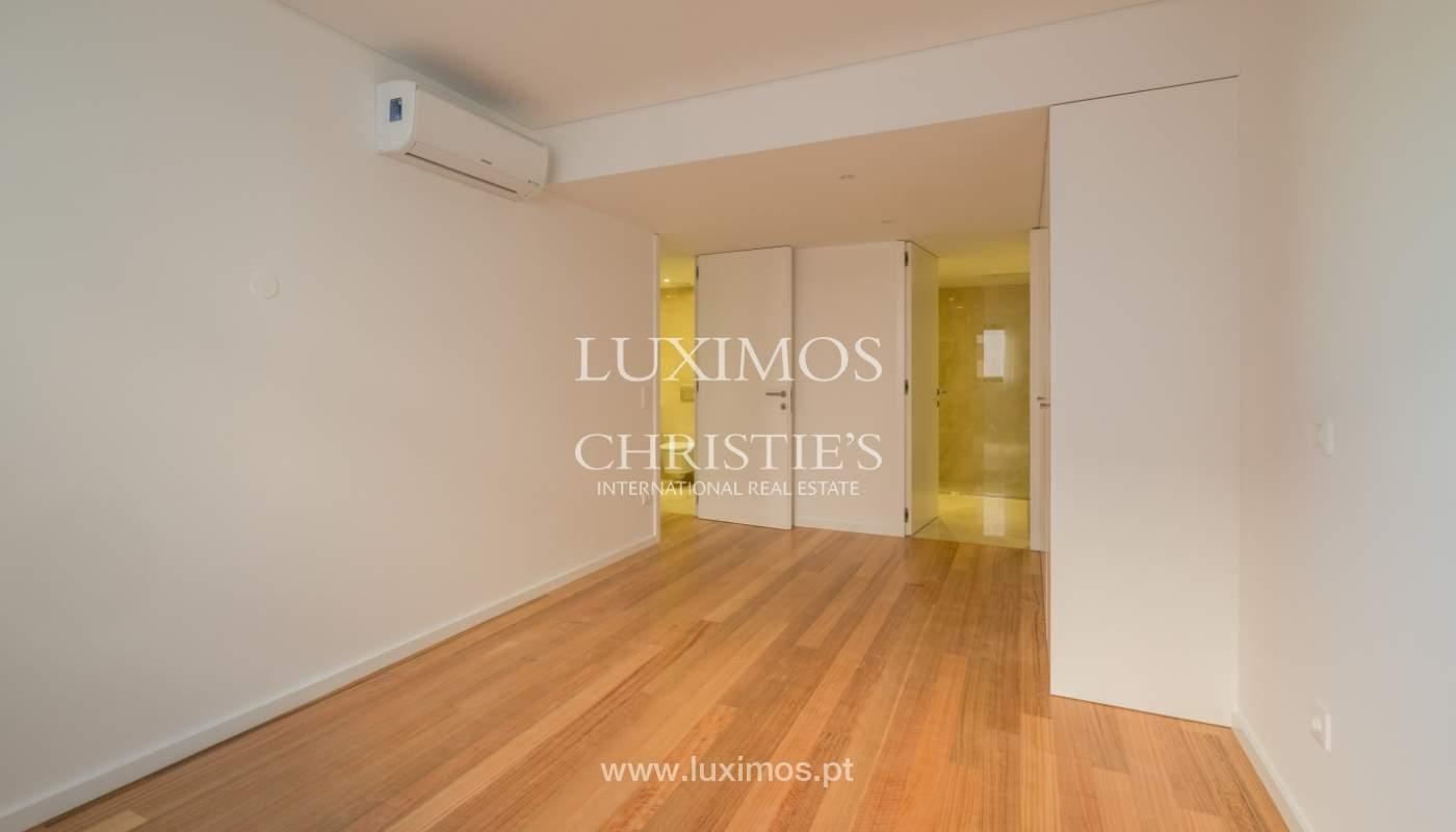 Nuevo y moderno apartamento con balcón, en venta, en Porto, Portugal_136108