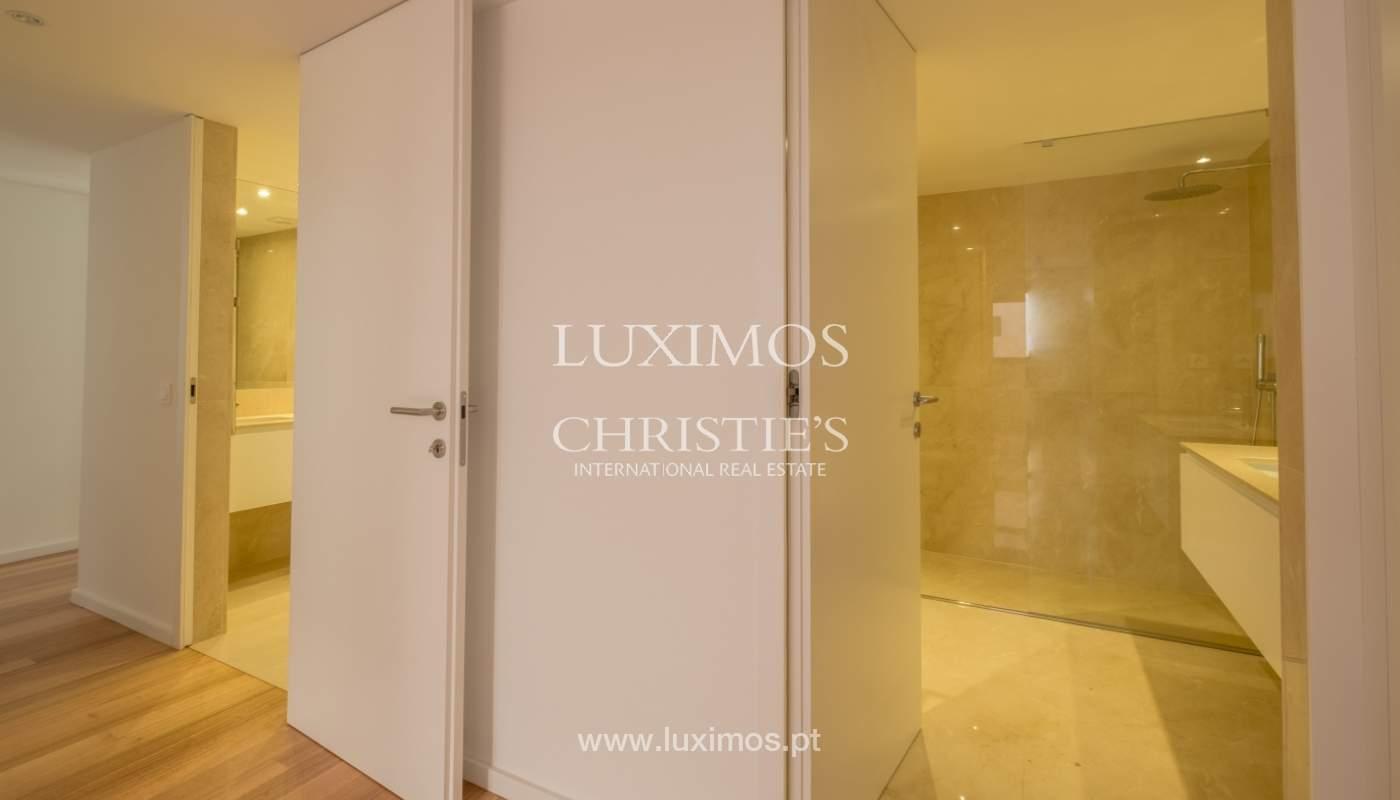 Nuevo y moderno apartamento con balcón, en venta, en Porto, Portugal_136110