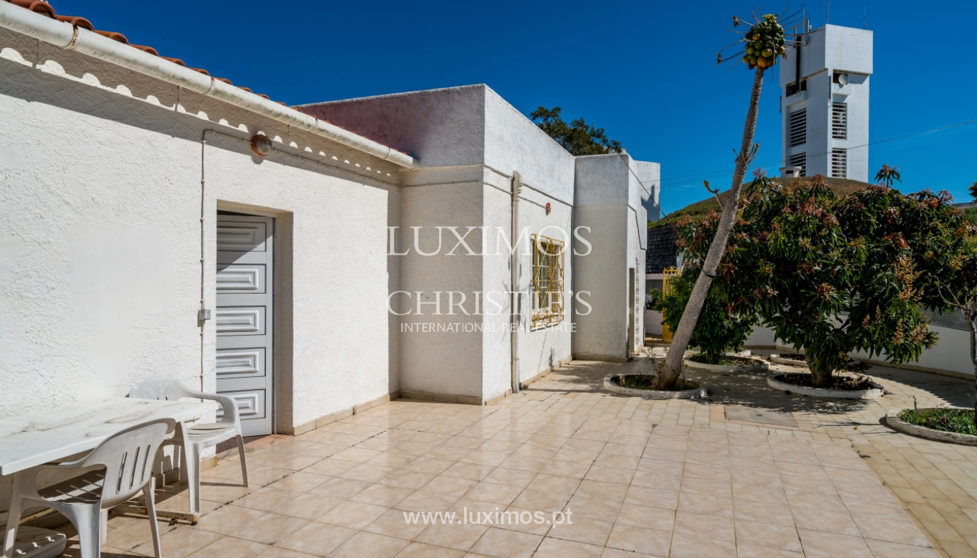 Sale of villa with pool and garden in Quarteira, Algarve, Portugal_136334