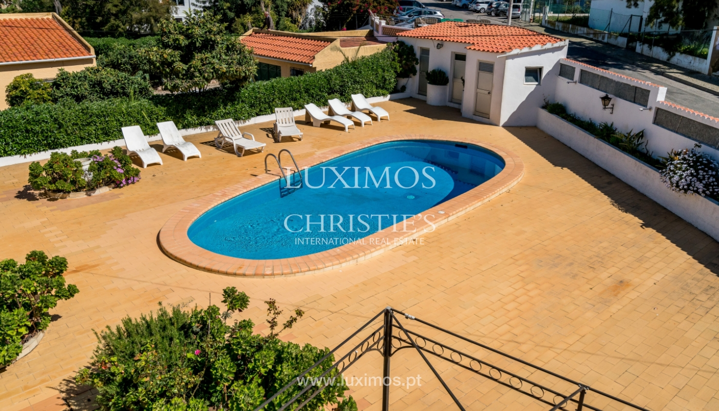 Sale of villa with pool and garden in Quarteira, Algarve, Portugal_136346