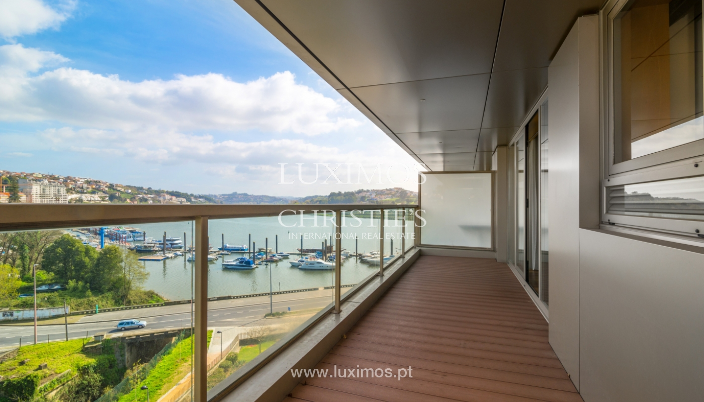 Modern apartment with balcony and river view, for sale, in Porto, Portugal_136394