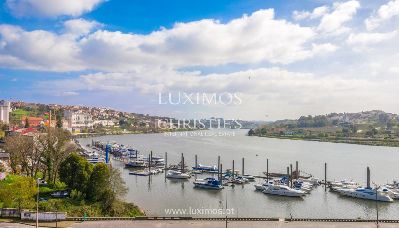 Modern apartment with balcony and river view, for sale, in Porto, Portugal_136395