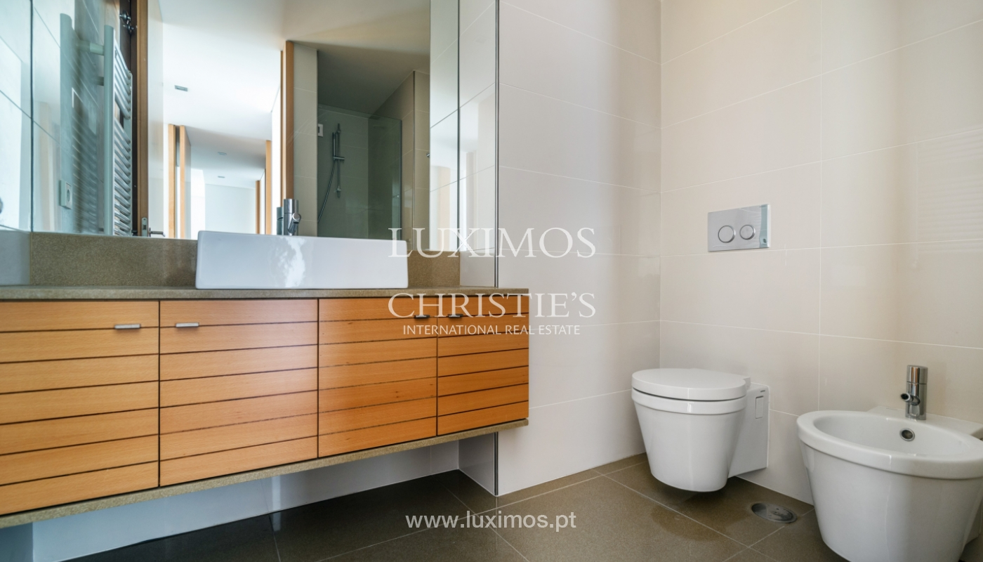 Modern apartment with balcony and river view, for sale, in Porto, Portugal_136400