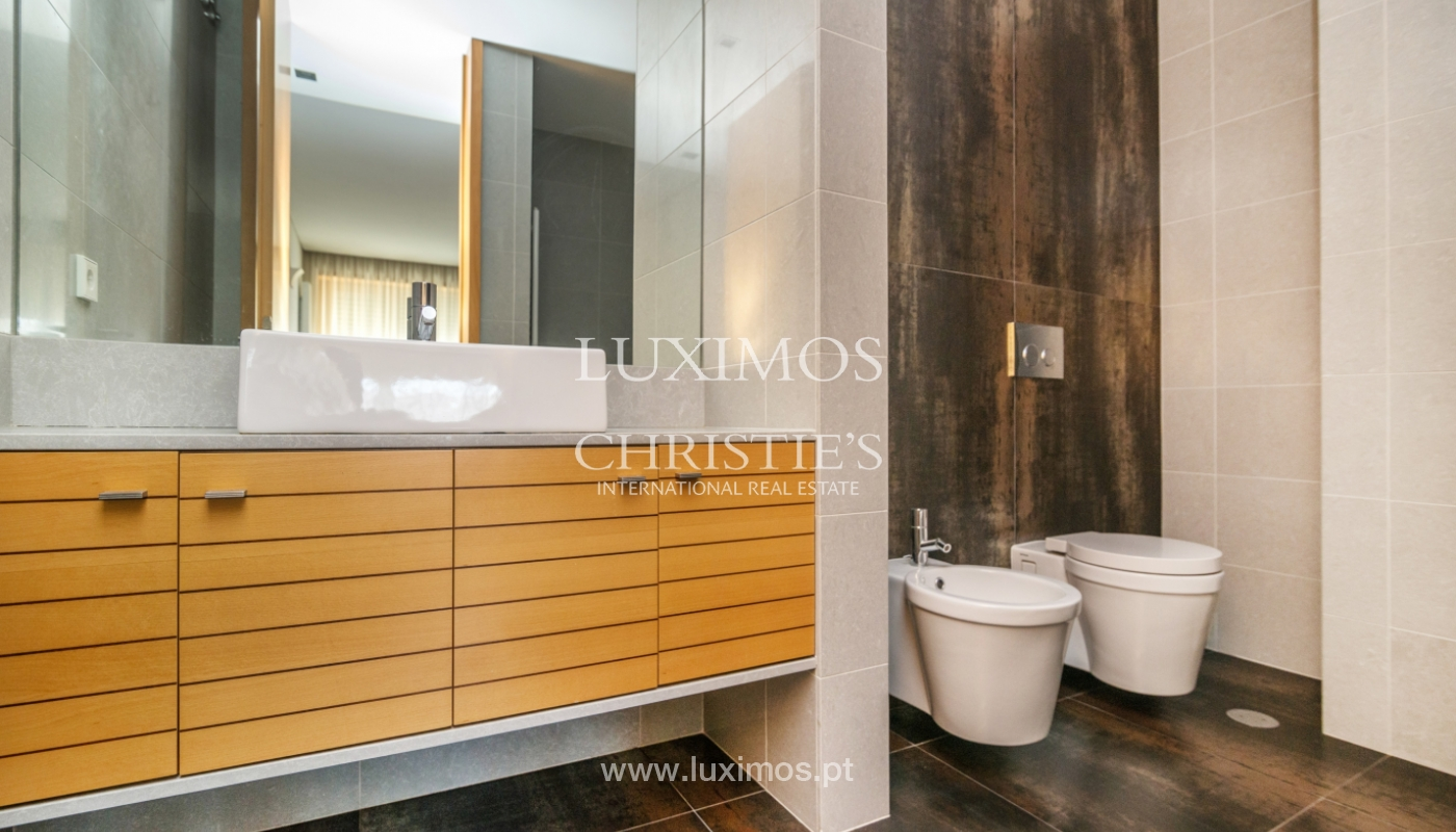 Modern apartment with balcony and river view, for sale, in Porto, Portugal_136406