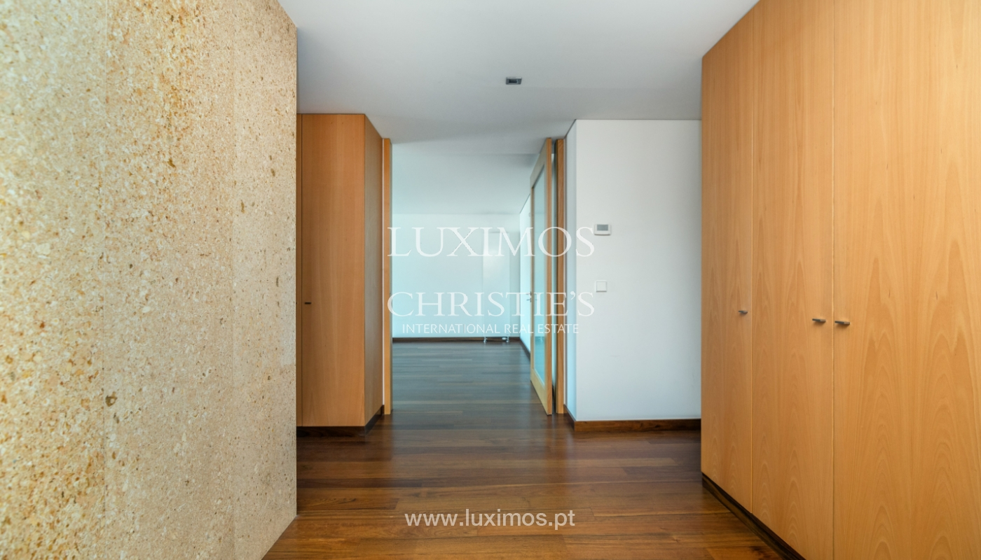 Modern apartment with balcony and river view, for sale, in Porto, Portugal_136411