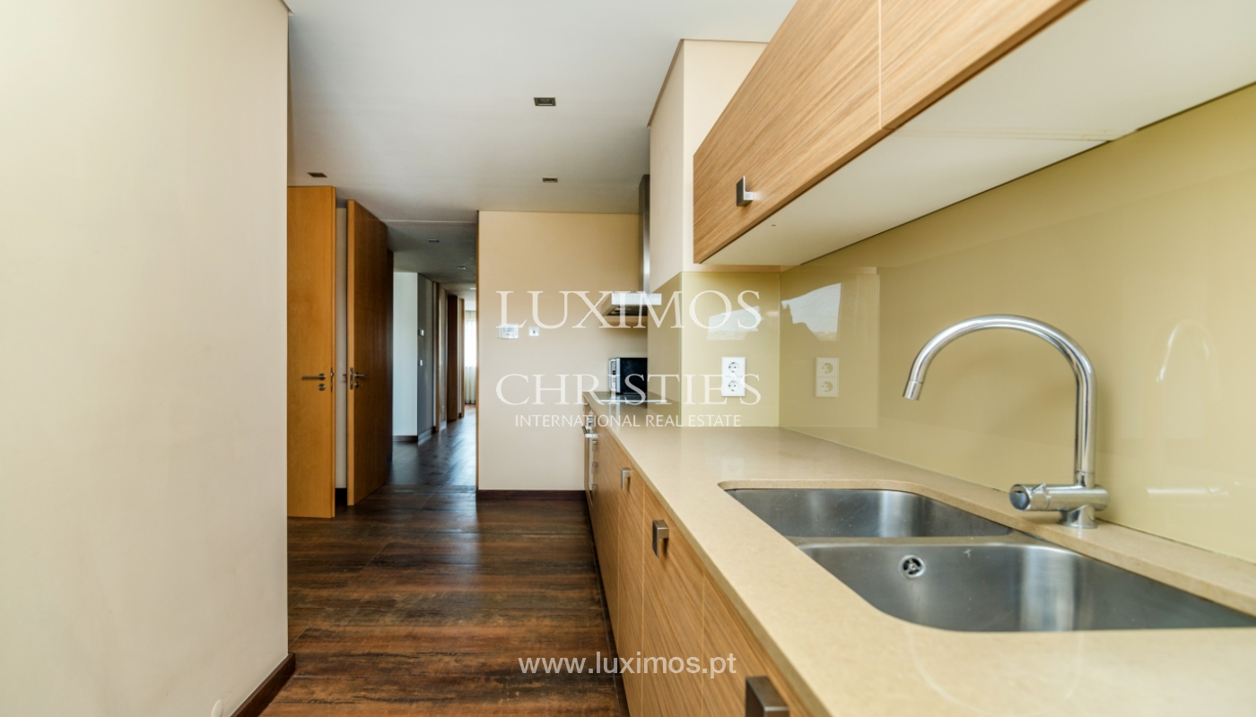 Modern apartment with balcony and river view, for sale, in Porto, Portugal_136413