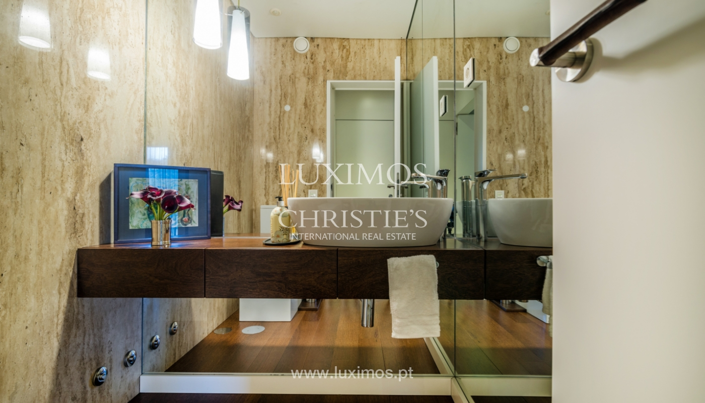 Modern house for sale, near the city park, in Porto, Portugal_136611