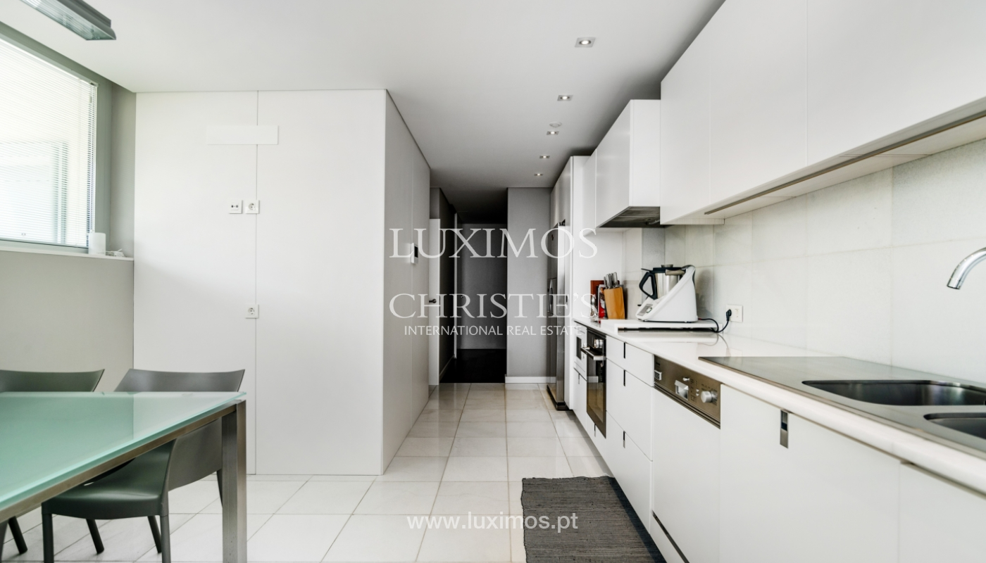 Modern house for sale, near the city park, in Porto, Portugal_136612