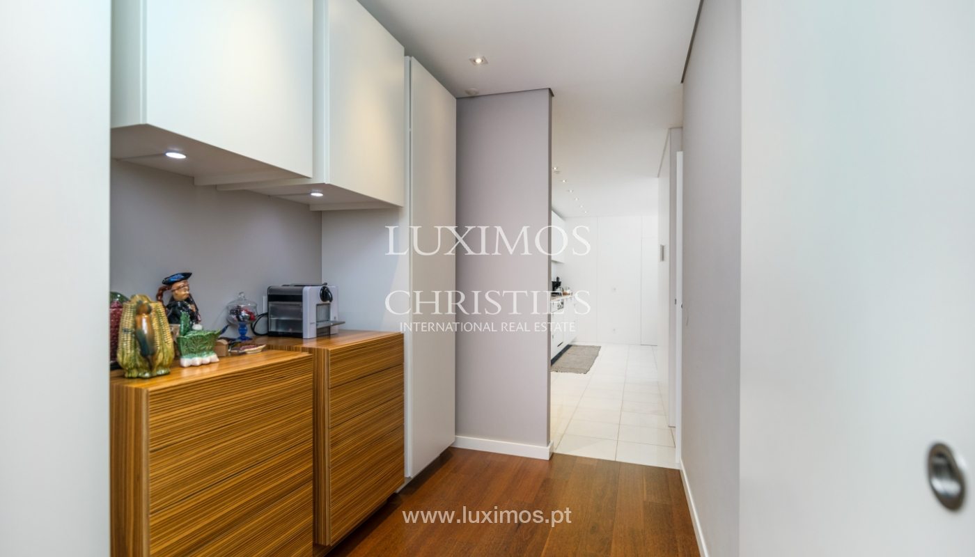 Modern house for sale, near the city park, in Porto, Portugal_136613