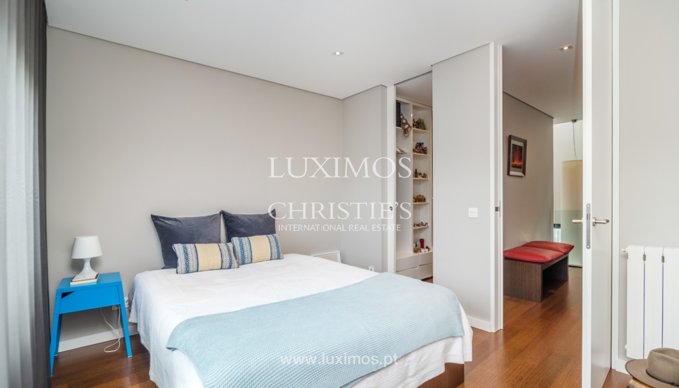Modern house for sale, near the city park, in Porto, Portugal_136617