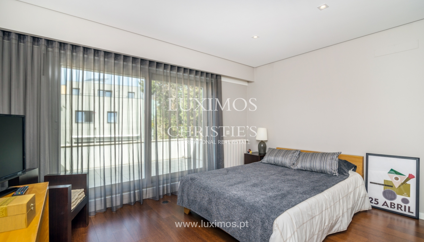 Modern house for sale, near the city park, in Porto, Portugal_136619