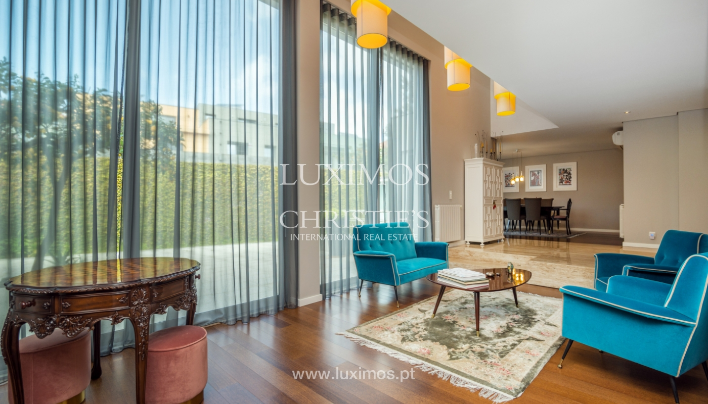 Modern house for sale, near the city park, in Porto, Portugal_136631