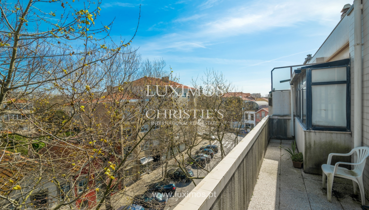 Sale of duplex apartment with balcony and sea views, in Porto, Portugal_136806