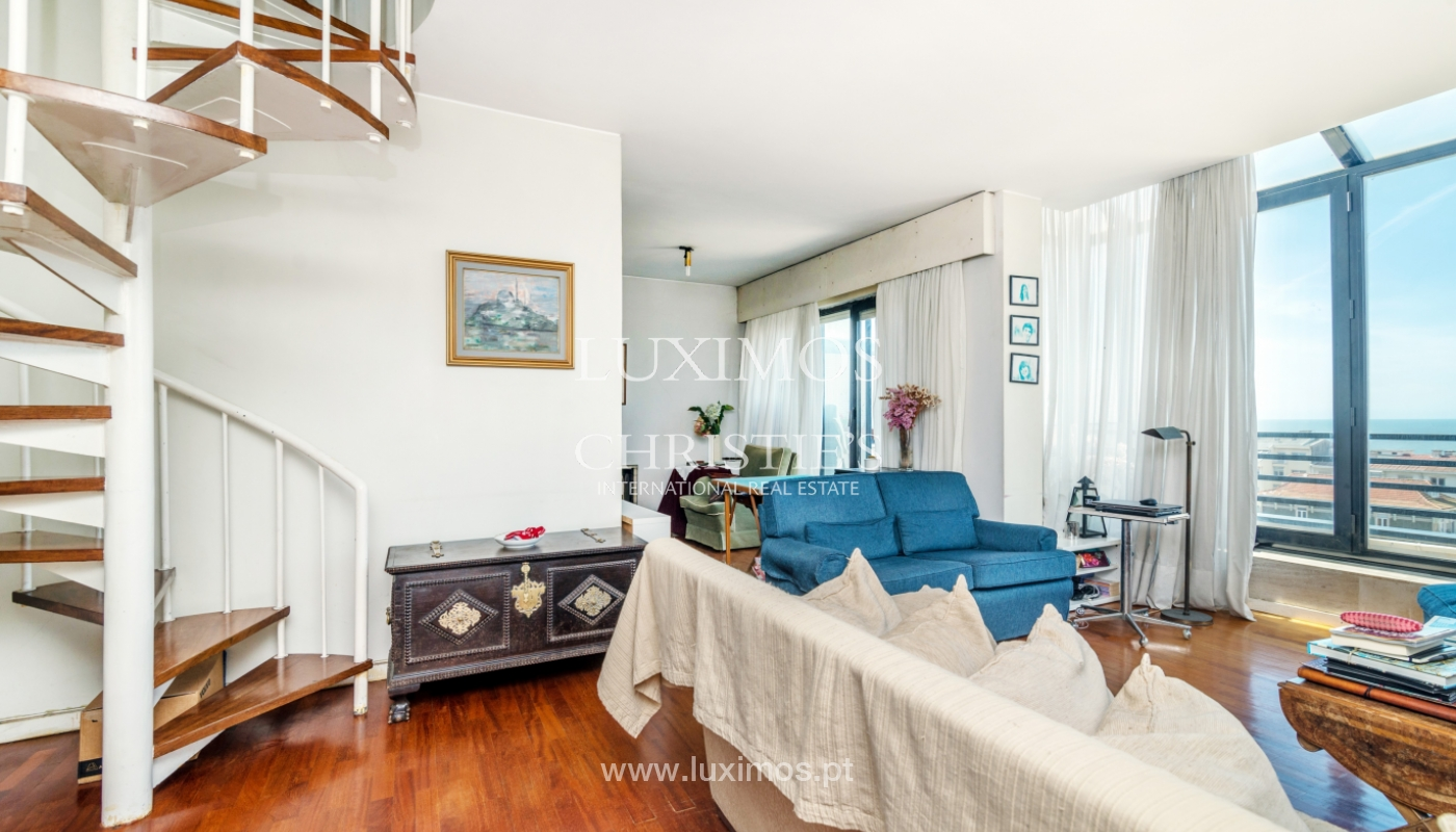 Sale of duplex apartment with balcony and sea views, in Porto, Portugal_136810