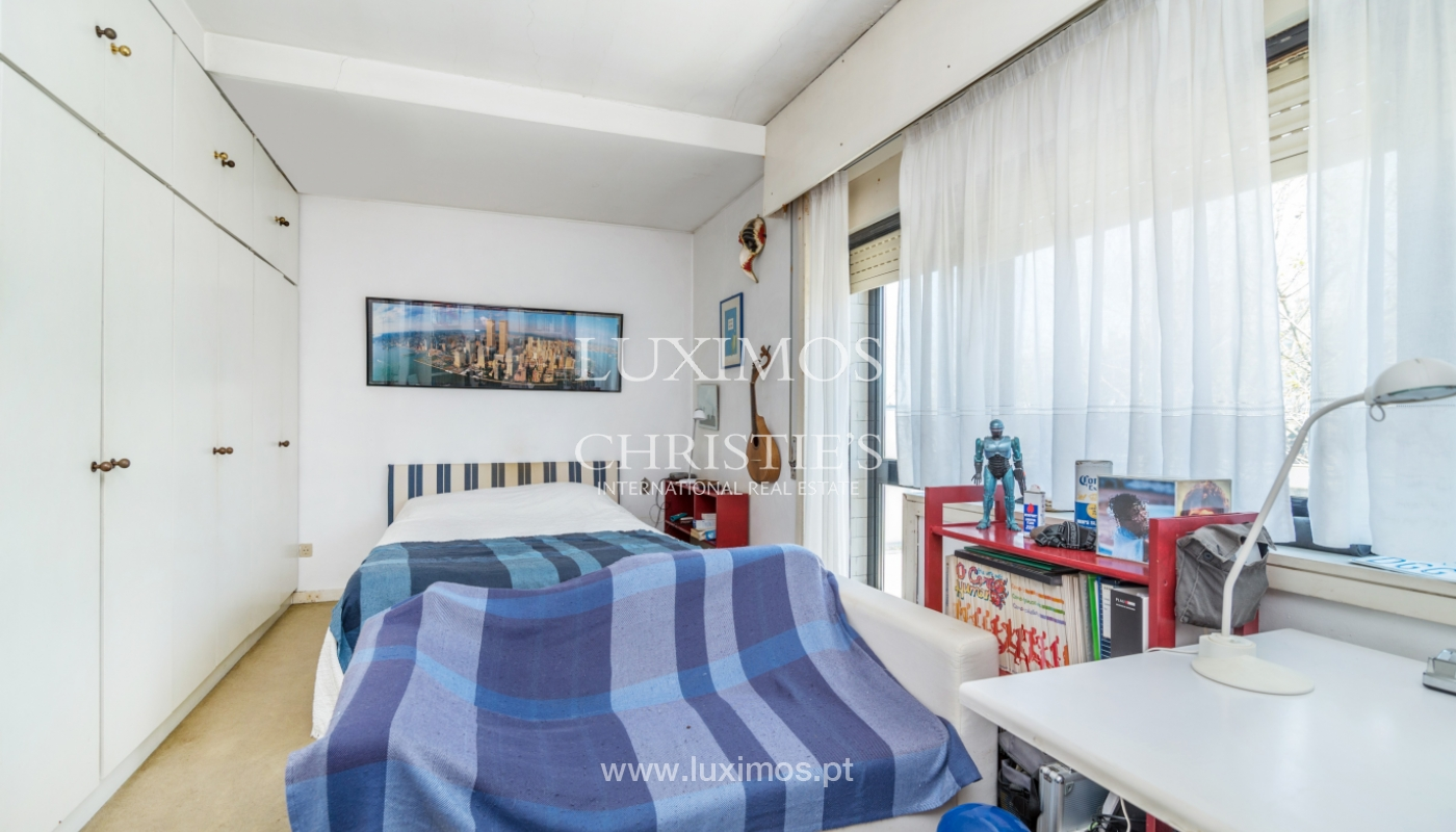 Sale of duplex apartment with balcony and sea views, in Porto, Portugal_136828