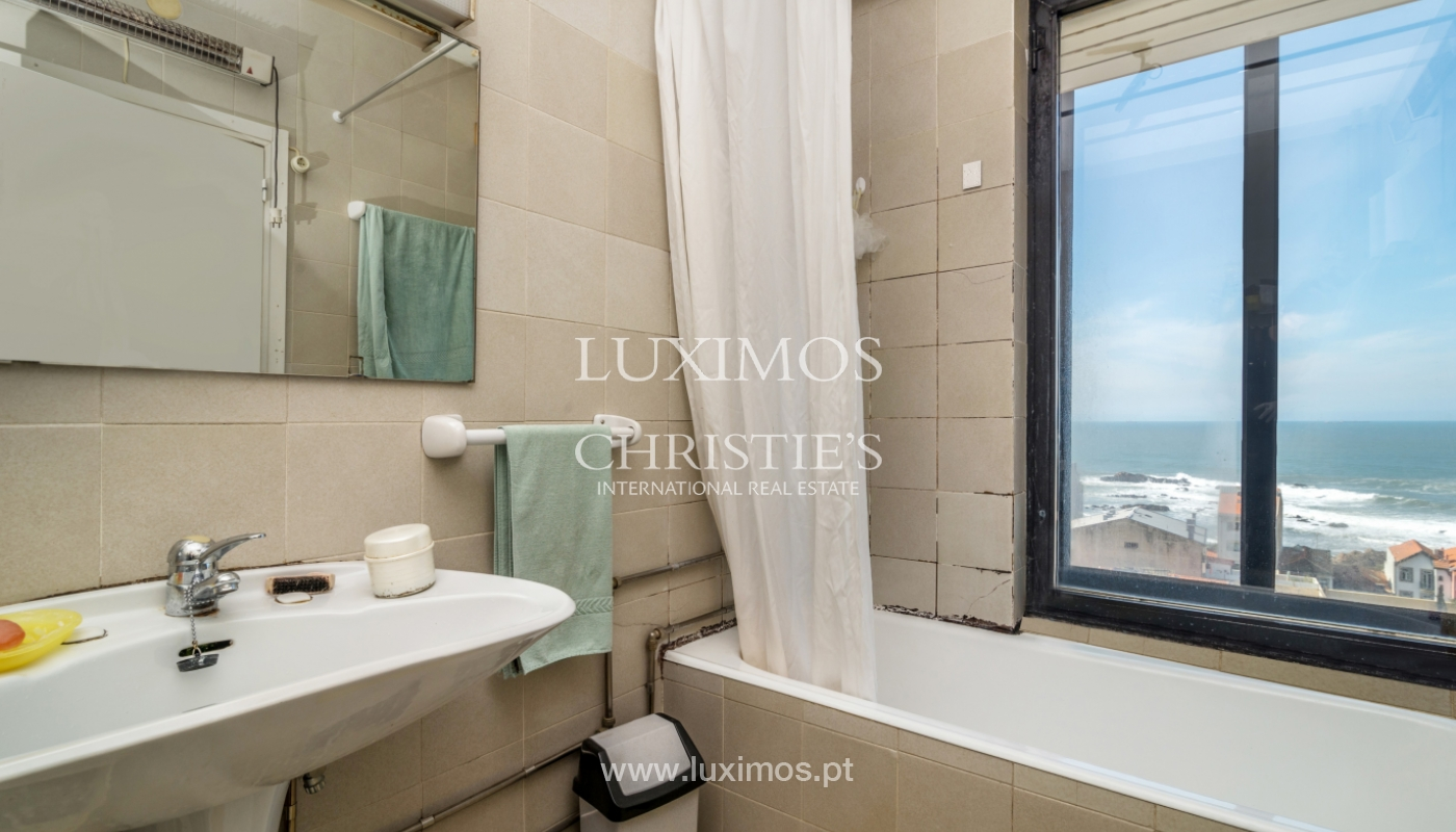Sale of duplex apartment with balcony and sea views, in Porto, Portugal_136829