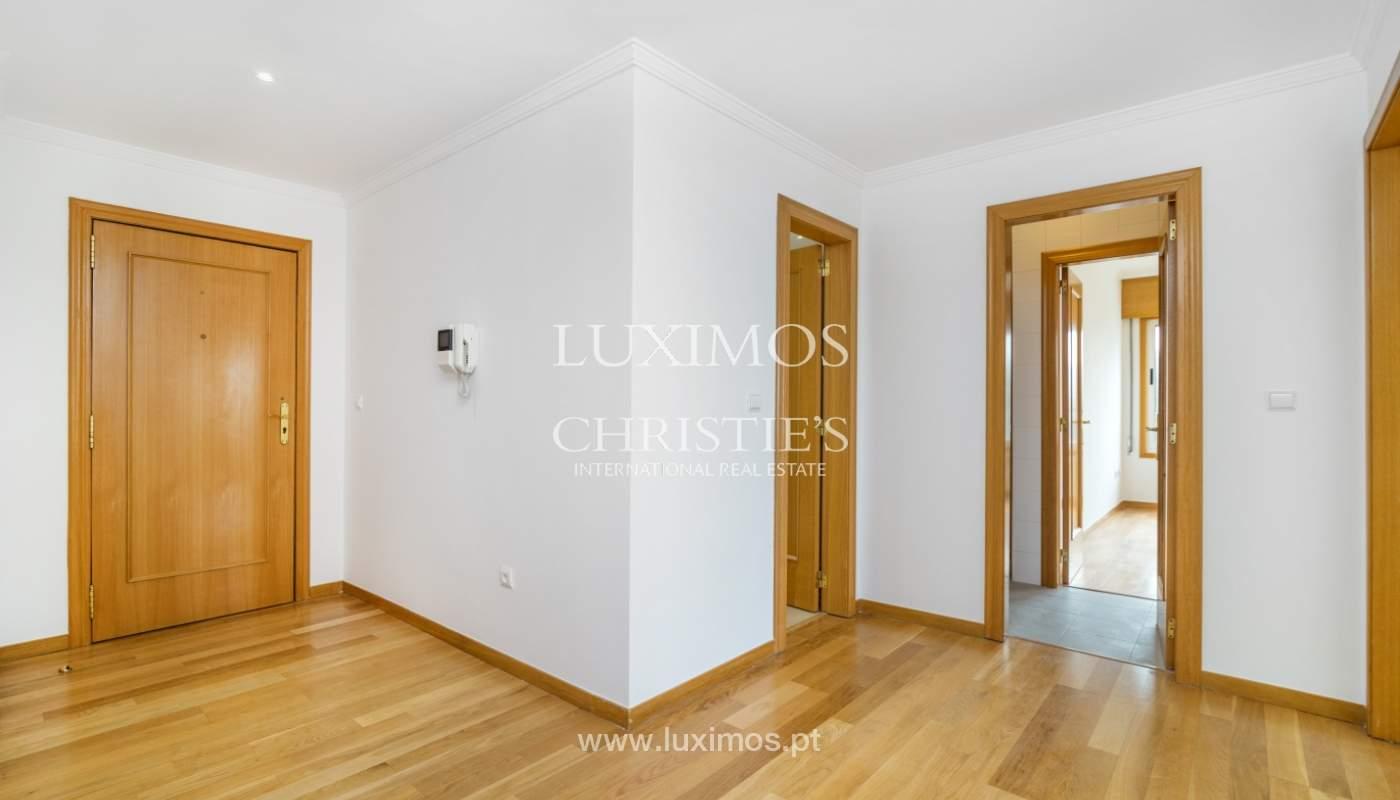 Apartamento moderno, para venda, em Lordelo do Ouro, Porto_138490