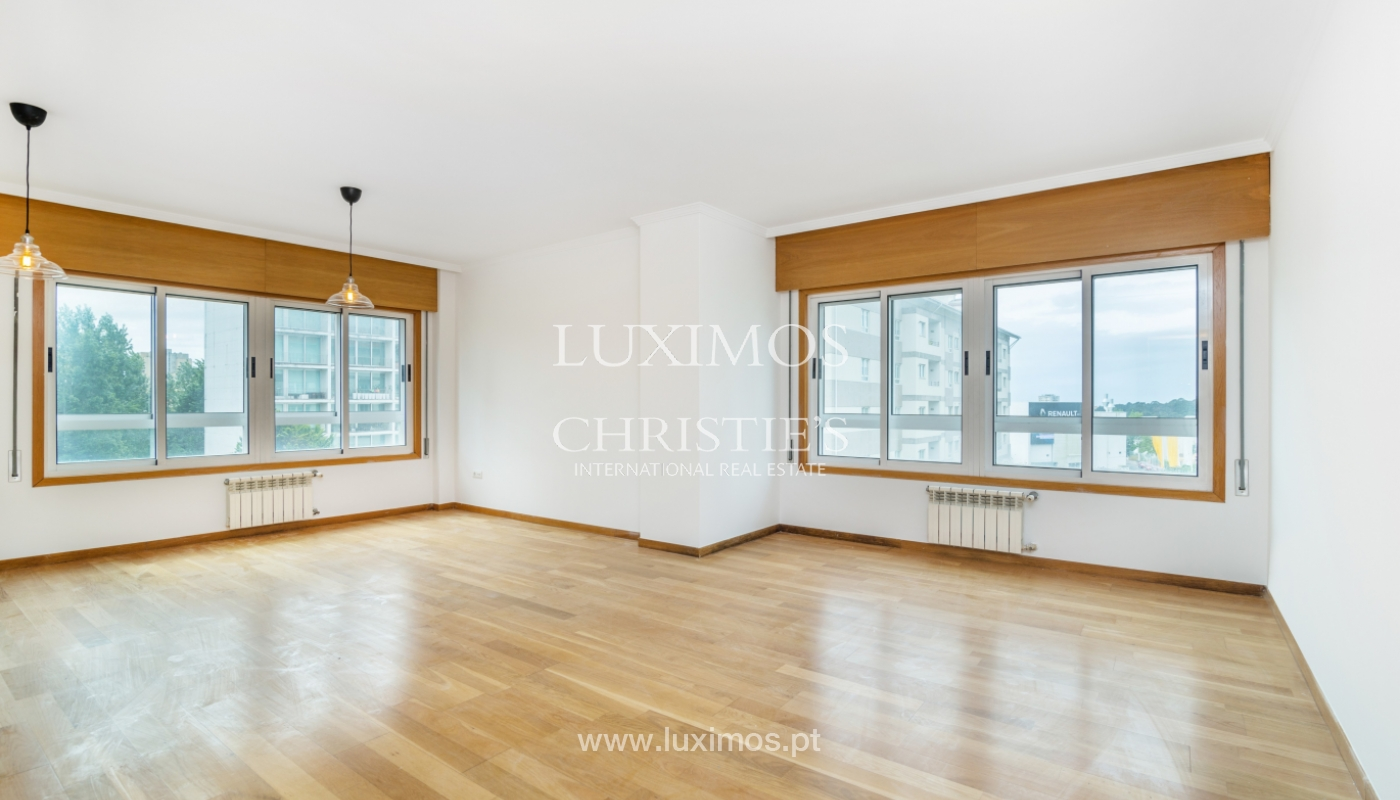 Apartamento moderno, para venda, em Lordelo do Ouro, Porto_138491