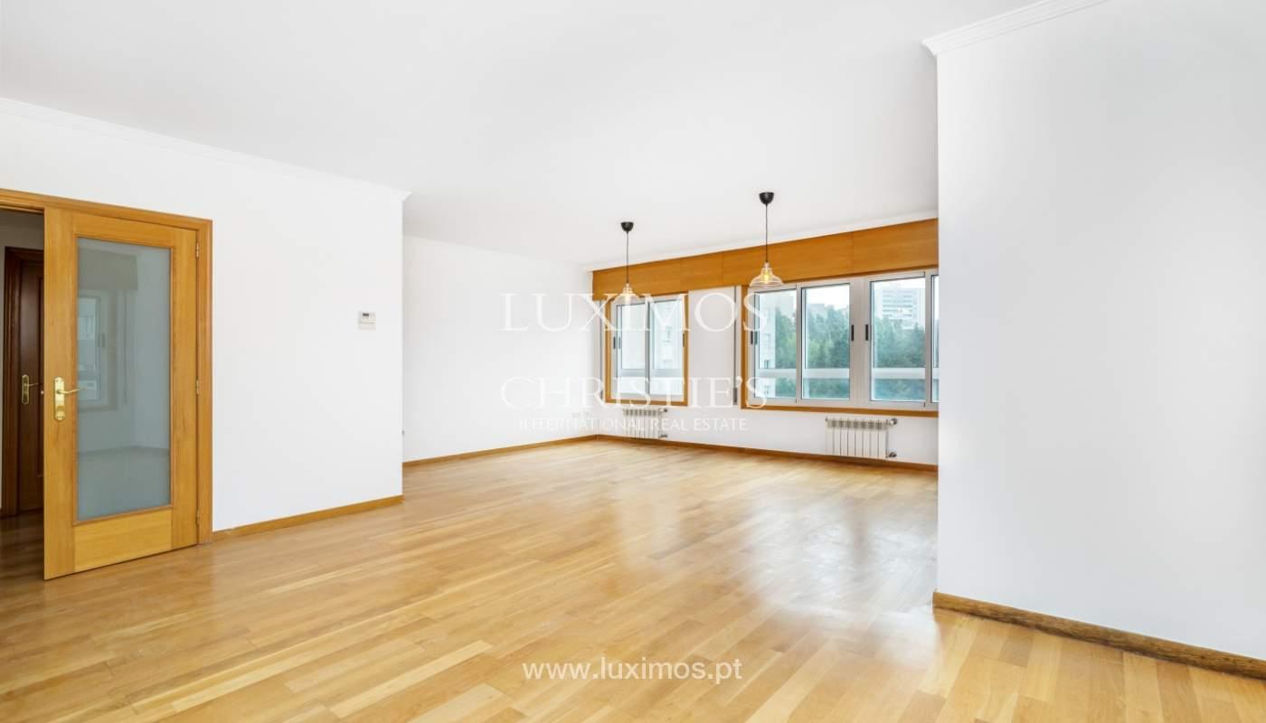 Apartamento moderno, para venda, em Lordelo do Ouro, Porto_138492