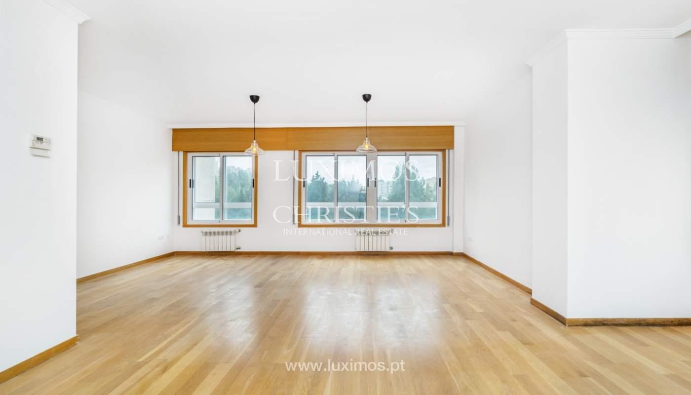 Apartamento moderno, para venda, em Lordelo do Ouro, Porto_138494