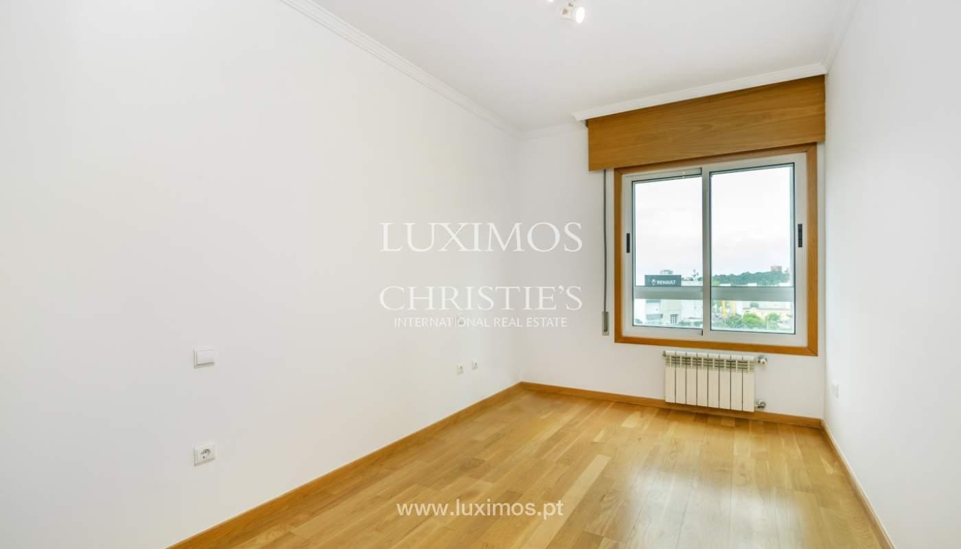Apartamento moderno, para venda, em Lordelo do Ouro, Porto_138502