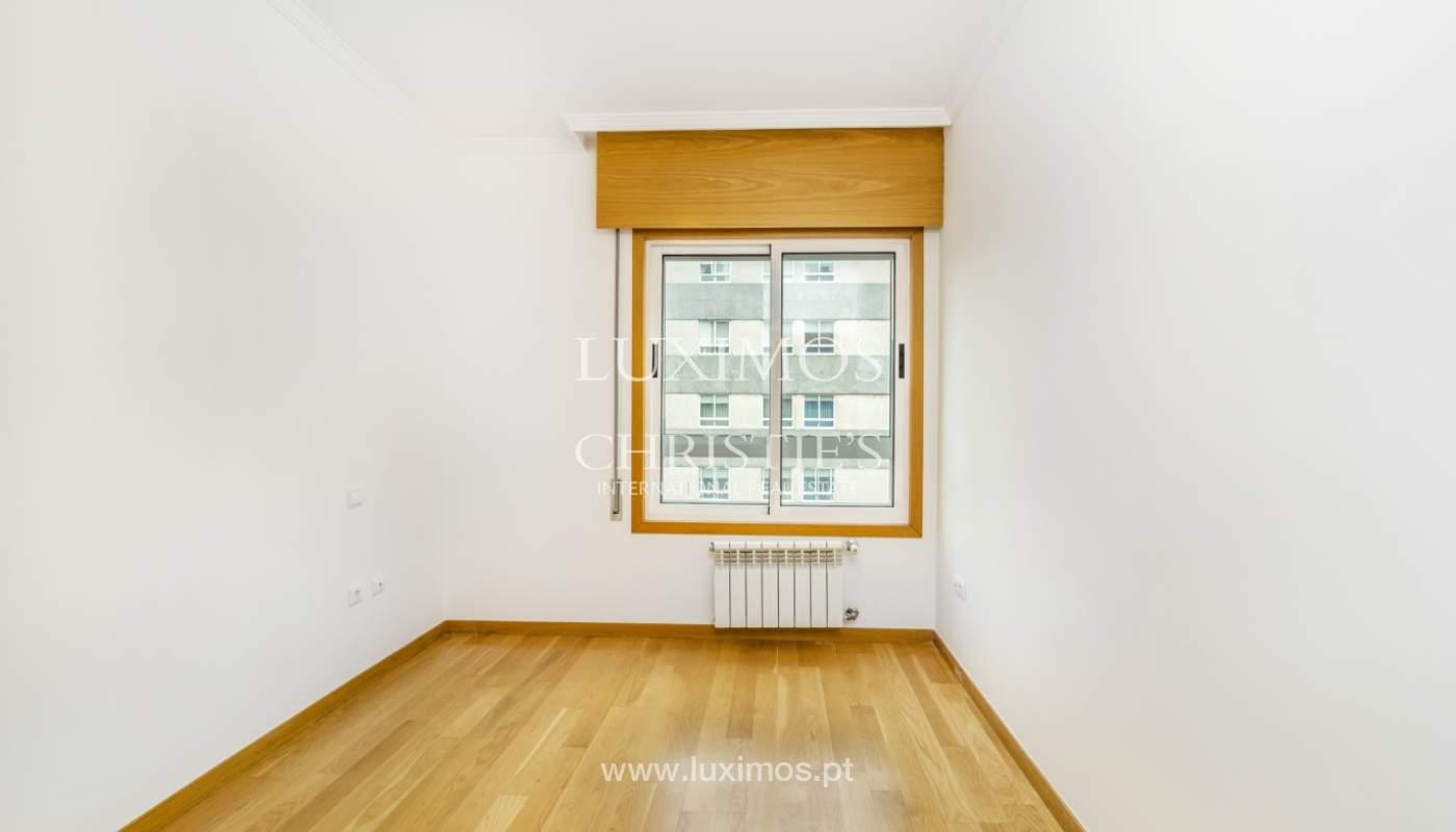 Apartamento moderno, para venda, em Lordelo do Ouro, Porto_138507