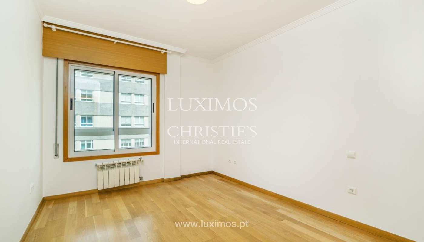 Apartamento moderno, para venda, em Lordelo do Ouro, Porto_138509