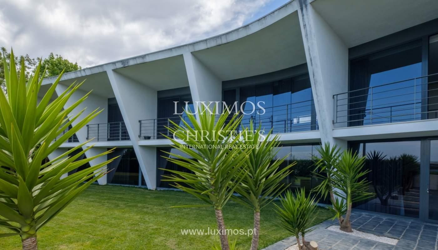 Villa de luxe avec jardin et vue sur l