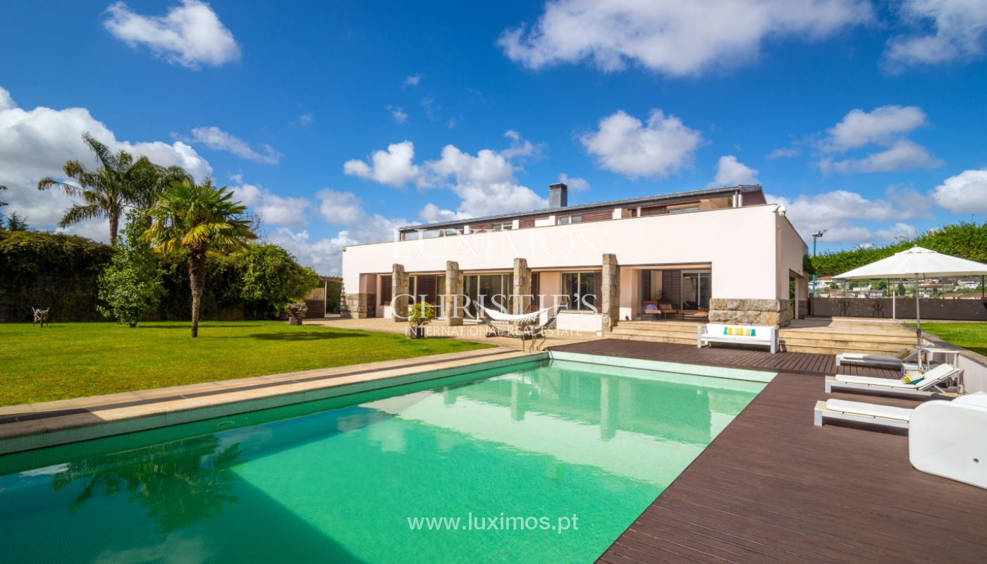 Sale of contemporary luxury villa with pool and garden, Trofa, Portugal_138796