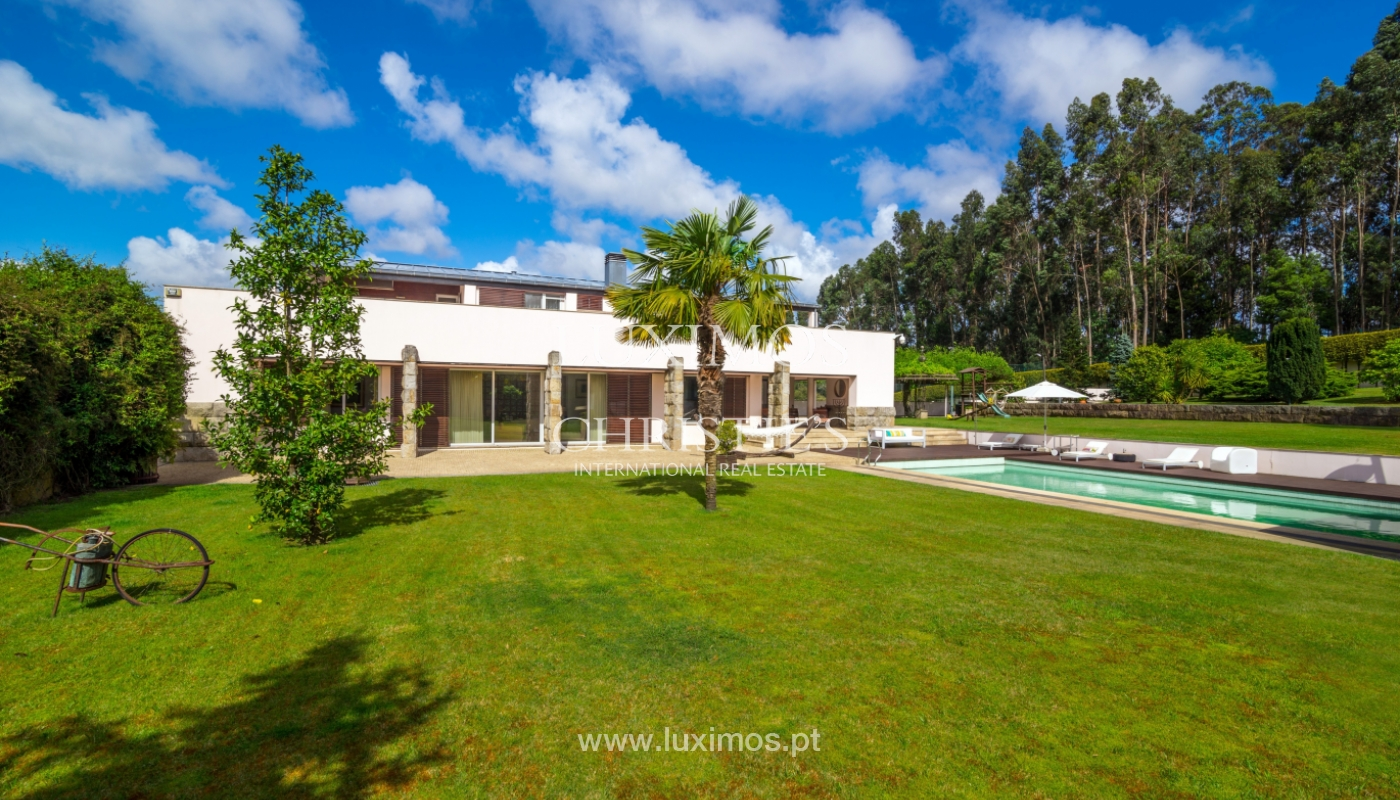 Sale of contemporary luxury villa with pool and garden, Trofa, Portugal_138801