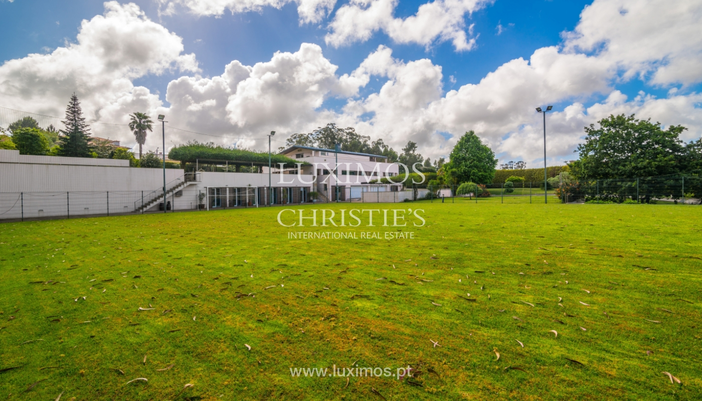 Sale of contemporary luxury villa with pool and garden, Trofa, Portugal_138805