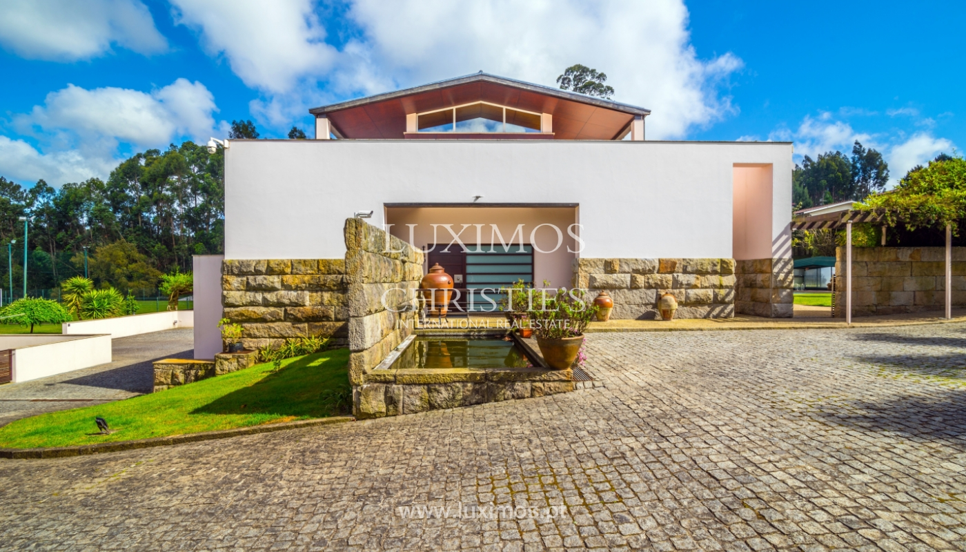 Sale of contemporary luxury villa with pool and garden, Trofa, Portugal_138807