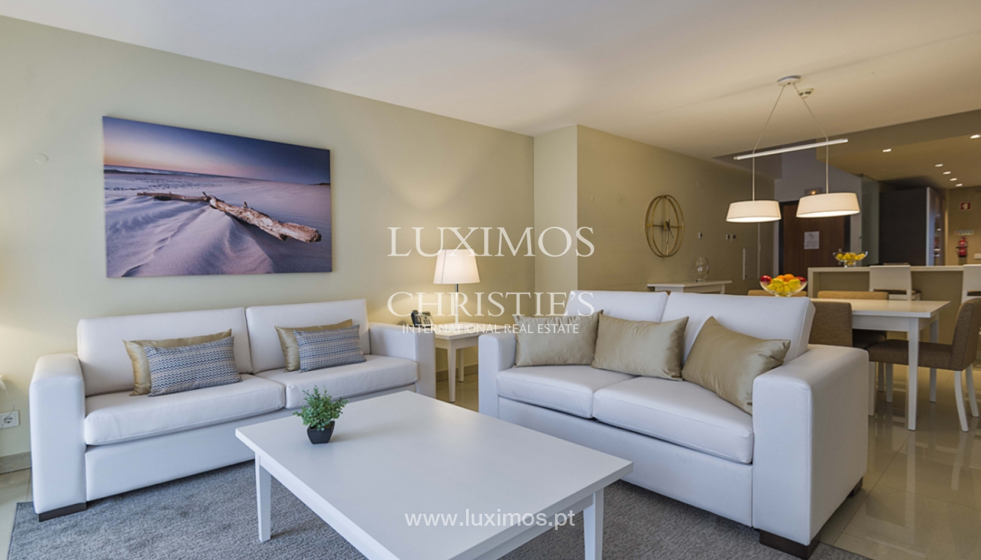 Sale of contemporary apartment in exclusive Golf Resort, Algarve._139257