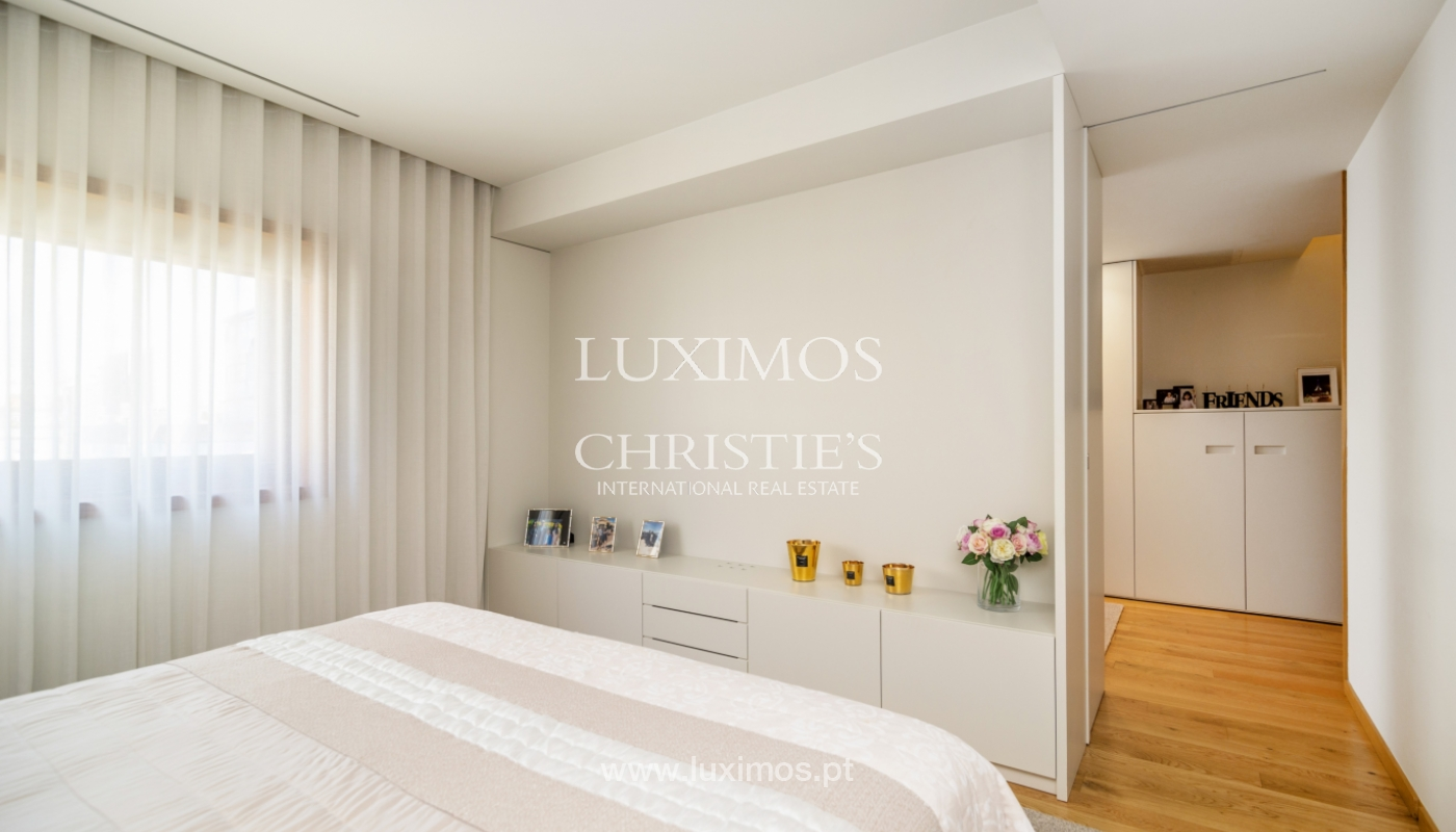 Remodeled house with terrace, for sale, near the centre of Porto, Portugal_139684