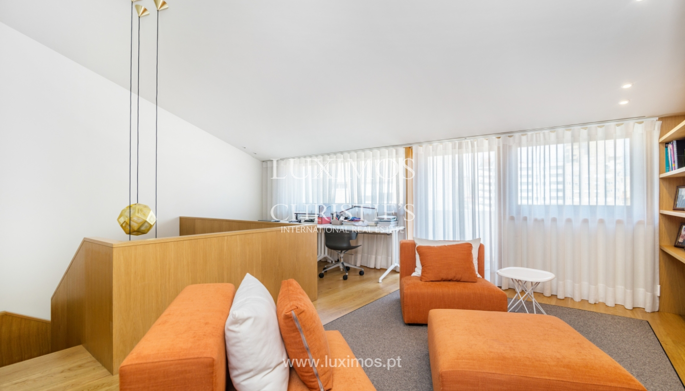 Remodeled house with terrace, for sale, near the centre of Porto, Portugal_139688