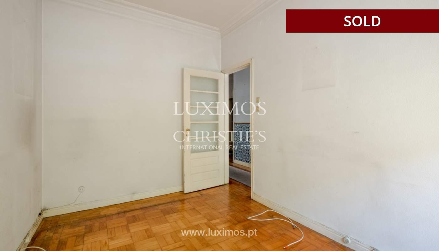 Sale of classic house to remodel, near Boavista, Porto, Portugal_139711