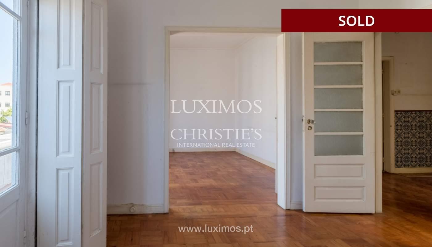 Sale of classic house to remodel, near Boavista, Porto, Portugal_139731