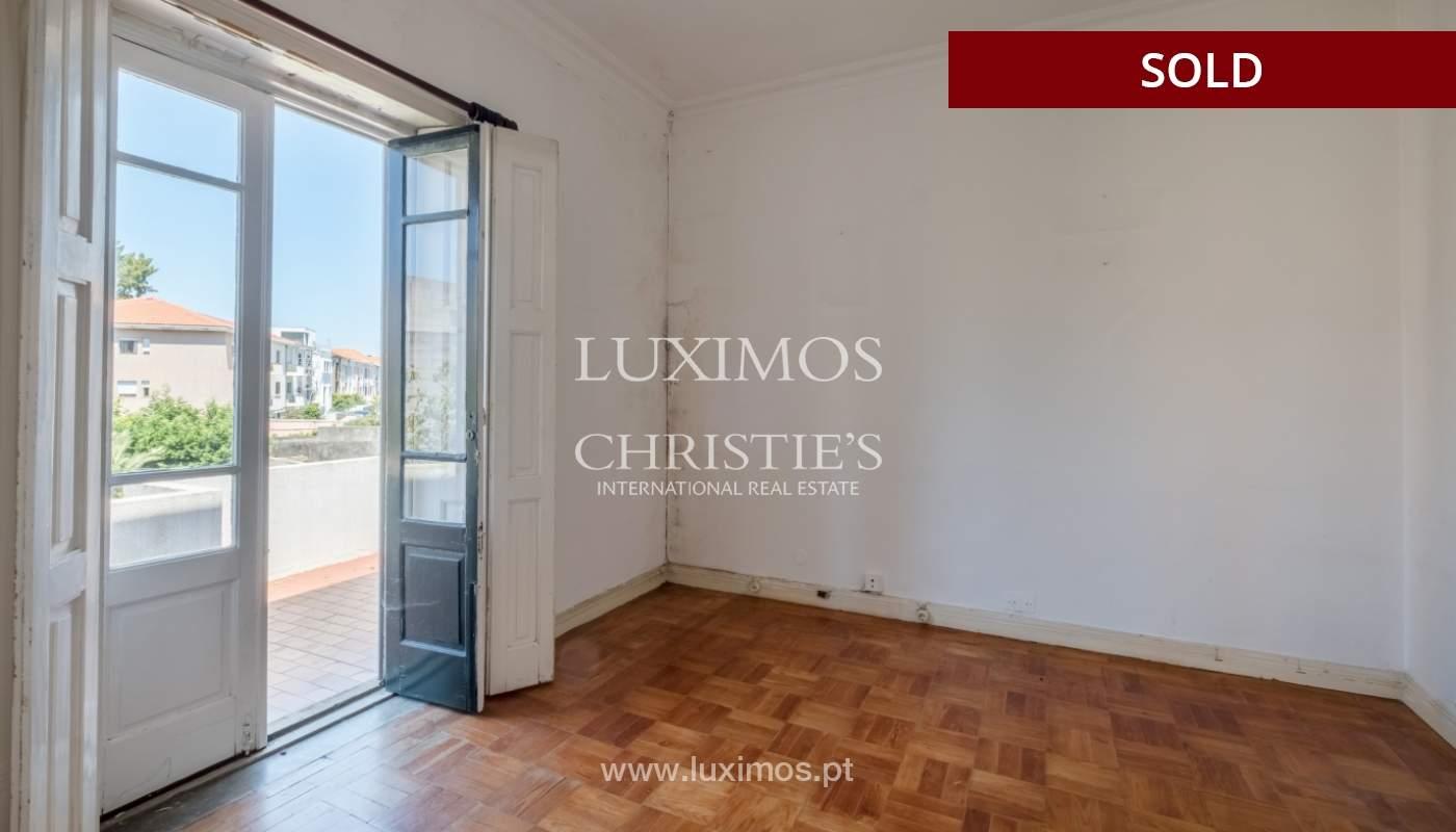 Sale of classic house to remodel, near Boavista, Porto, Portugal_139732