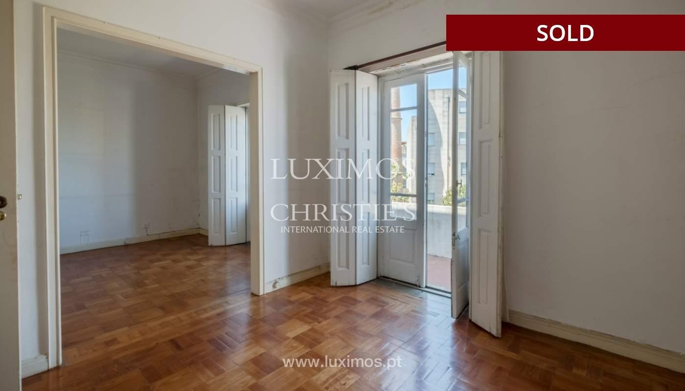 Sale of classic house to remodel, near Boavista, Porto, Portugal_139733