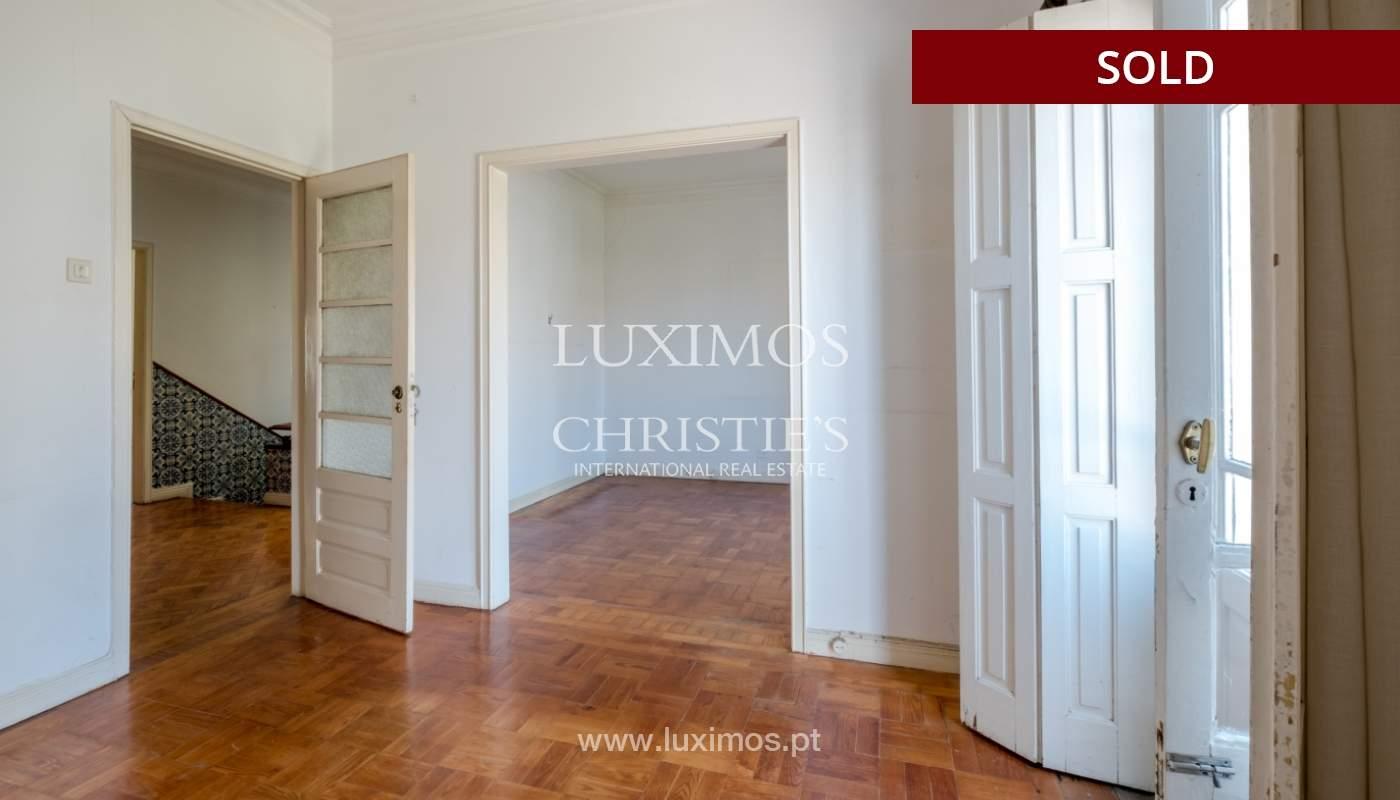 Sale of classic house to remodel, near Boavista, Porto, Portugal_139734