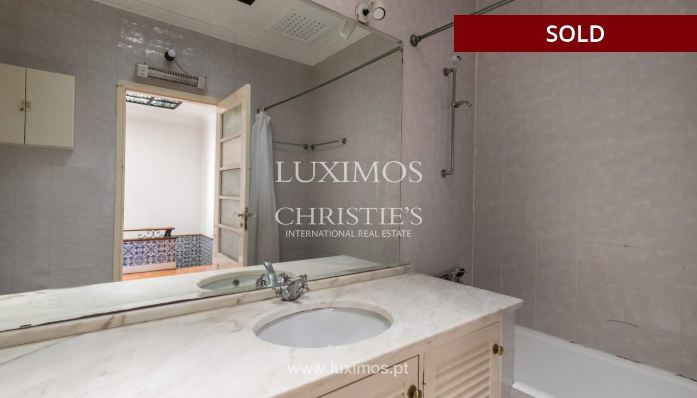 Sale of classic house to remodel, near Boavista, Porto, Portugal_139738