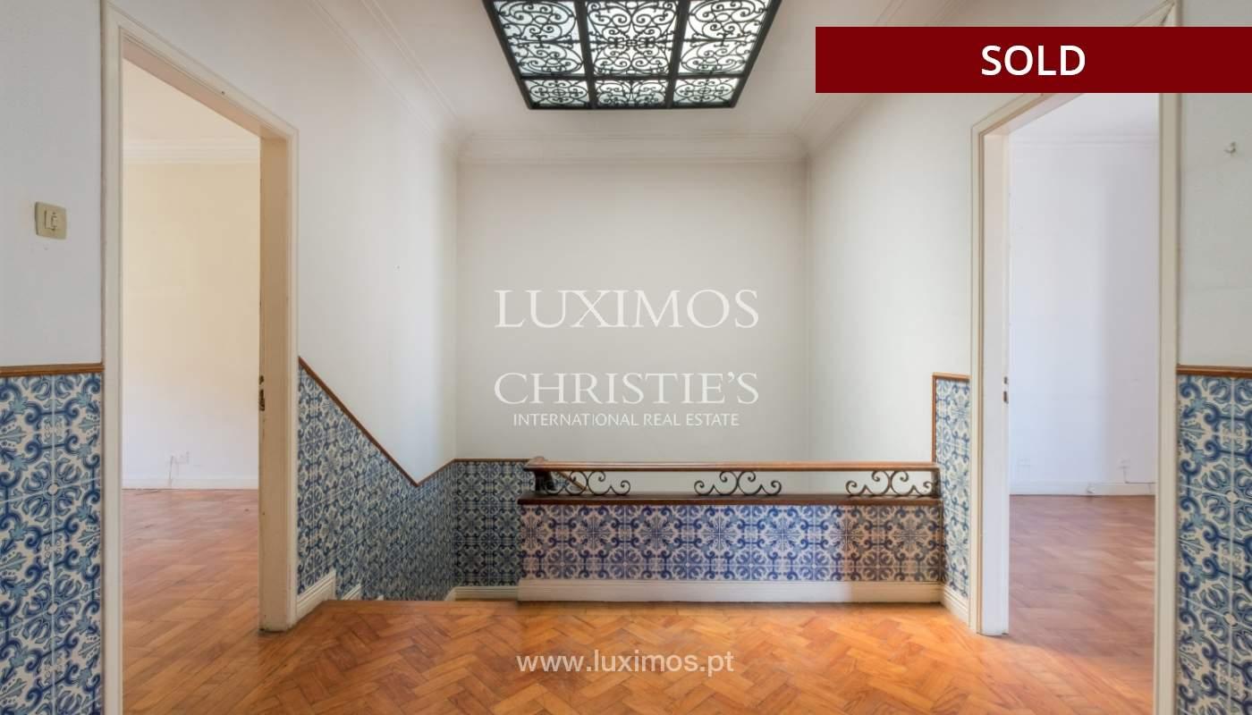 Sale of classic house to remodel, near Boavista, Porto, Portugal_139750